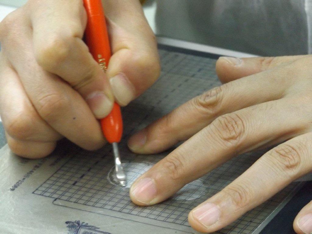 手書きの良さが光る、明治生まれのガリ版に挑戦!