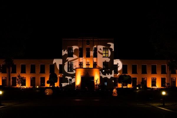 朝から晩(ライトアップあり)まで楽しめる!あの旧豊郷小学校でハロウィン♪