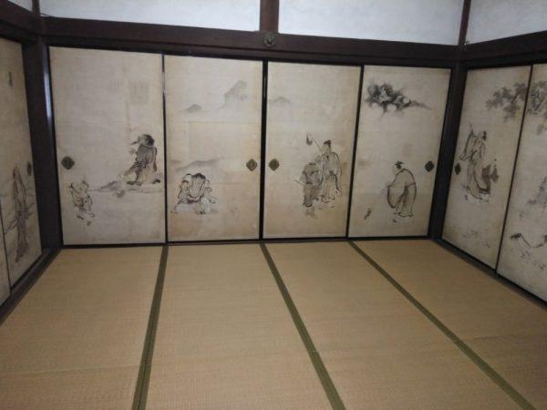 龍潭禅寺だるままつり_蕉門十哲の一人、森川許六作の 襖絵