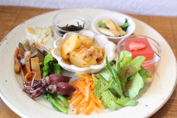高島ワニカフェ 季節のおばんさい