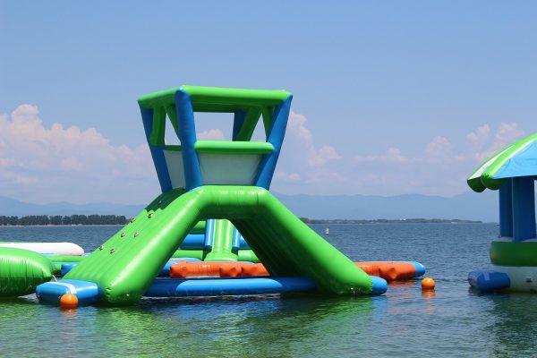 白ひげ浜 水泳・キャンプ場 遊具