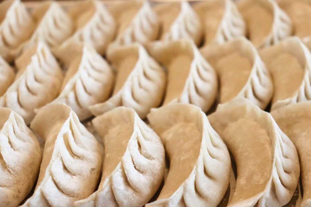 【3月オープン】イチから手作りする「餃子屋はまだ」の自慢の餃子★もっちりパリッと食感がクセになる【栗東】